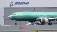 Archivbild von Mitte April: Eine Boeing 737 MAX 8 landet nach einem Testflug auf dem Boeing Field in Seattle.