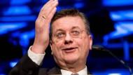 Reinhard Grindel ist für vier Jahre in das Uefa-Exekutivkomitee aufgenommen worden.