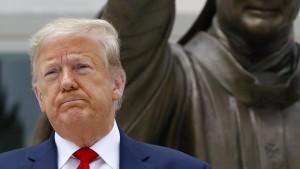 Bürgerrechtler verklagen Präsident Donald Trump