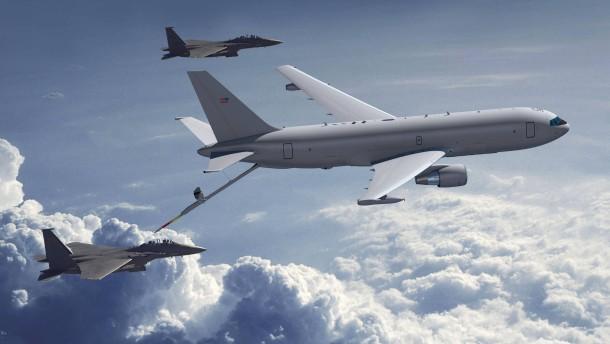 Boeings neues Tankflugzeug hebt ab