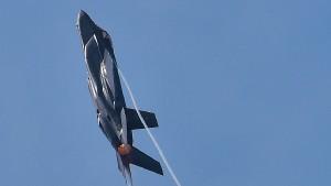 Ein Kampfjet weckt Begierden