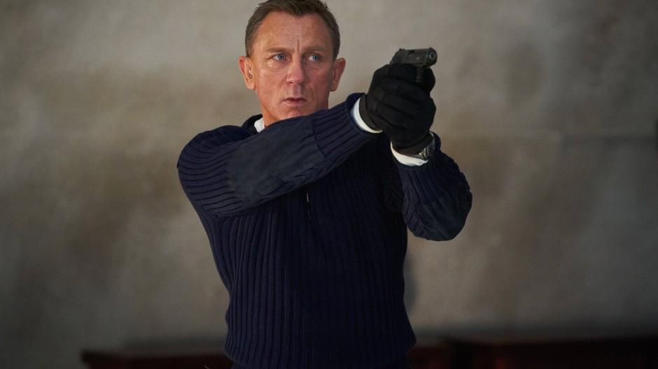 Neuer James-Bond-Film: Den Werbespot und zwei oder drei andere hat sich unser Redakteur fast zweieinhalb Stunden in Dauerschleife angeschaut.
