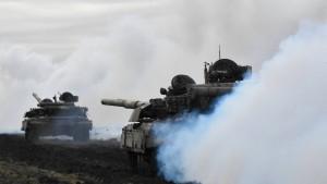 EU: 150.000 russische Soldaten an Grenze zur Ukraine stationiert