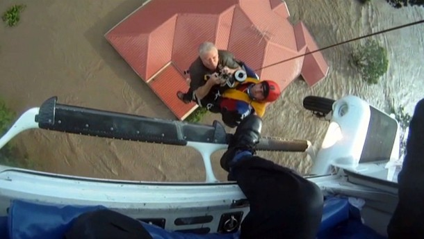 Australier retten sich vor den Fluten