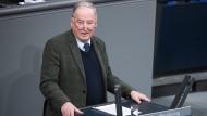 Gauland gibt zu: Für sein Bundestagsbüro arbeitete ein ehemaliges HDJ-Mitglied.