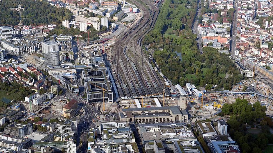 Stuttgart von oben – eine Großbaustelle.