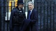 Philip Hammond vor dem Amtssitz der Premierministerin