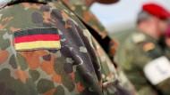 Die Bundeswehr als Arbeitgeber ist auch für Personen mit rechtsextremeren Tendenzen reizvoll.