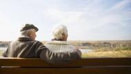 Ein paar hundert Euro mehr im Monat – das sorgt für Ruhe im Alter.