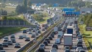 Egal ob Ausländer oder Inländer: Künftig sollen alle für die Nutzung der deutschen Straßen zahlen.