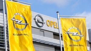 Opel-Arbeiter erhalten Kündigungsschutz bis 2018