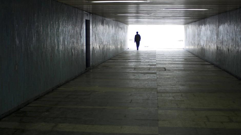 Auf der Suche nach dem Licht am Ende des Tunnel hilft unserem Autor der Gedanke an seinen früheren Trainer.