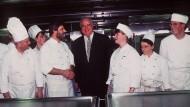 Gutbürgerliche Küche: Helmut Kohl 1995 bei einer Jubiläumsfeier.