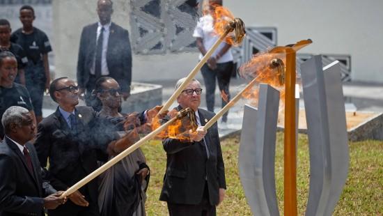Zeremonie in Ruanda zum Gedenken der Opfer