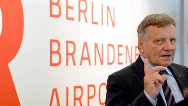Ex-Flughafenchef bekommt nach Rücktritt weiter Gehalt