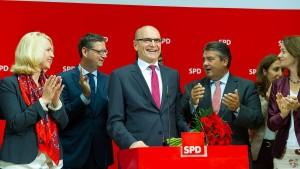 SPD lädt nach Wahlsieg CDU und Linke zu Gesprächen ein