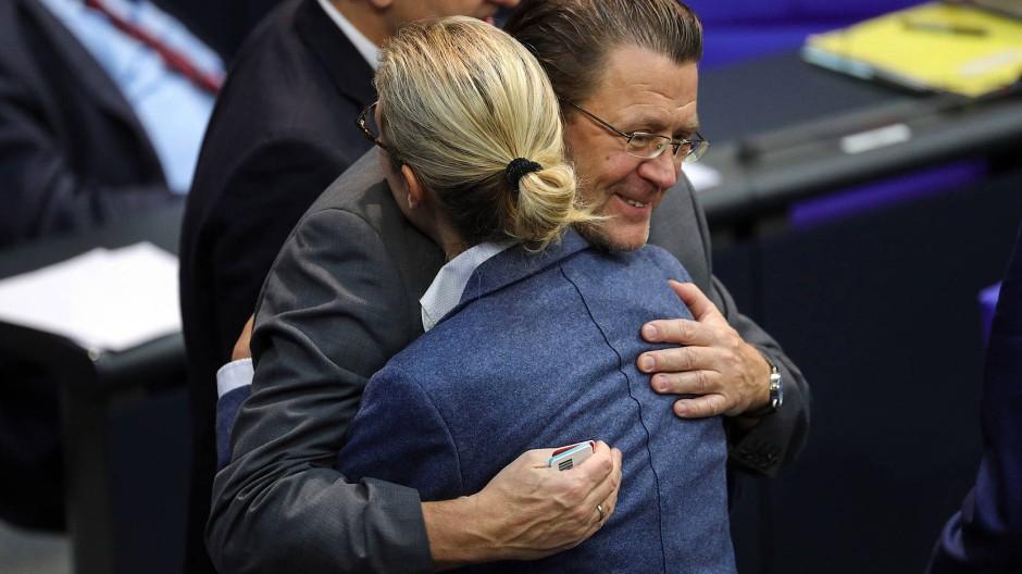 Der Rechtsausschuss des Bundestags hat den umstrittenen AfD-Abgeordneten Stephan Brandner am 13.11.2019 als Vorsitzenden abgesetzt.
