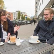 Siobhán Whelan und Benedikt Pfeifer am Mittwoch in einem Heidelberger Café