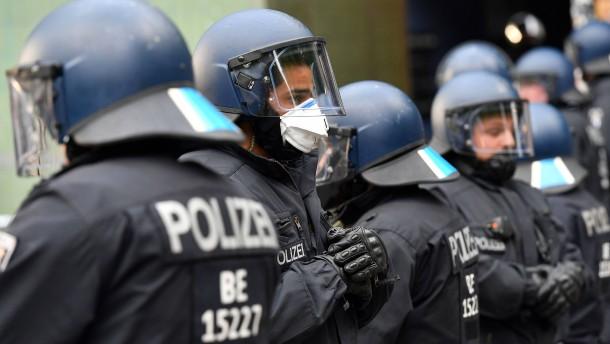 Polizist soll Journalistin geschlagen haben
