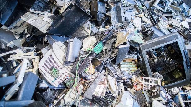 So viel Elektroschrott wird in Deutschland illegal entsorgt