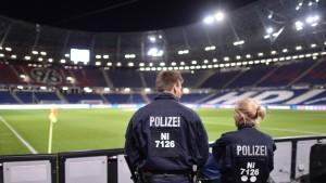 Deutsche Behörden fahnden nach aktiver Terrorgruppe