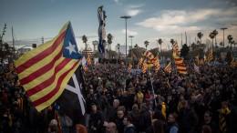Barcelona demonstriert für Abspaltung