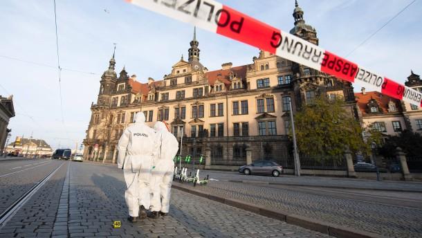 Tatverdächtiger wird in Dresden dem Ermittlungsrichter vorgeführt