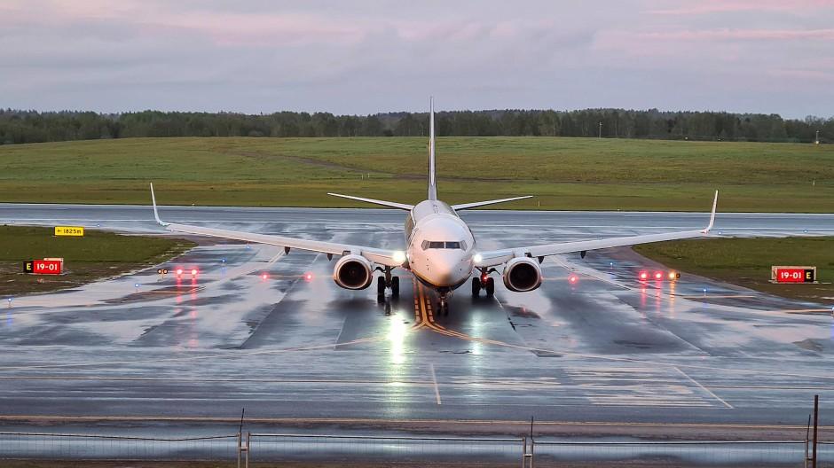Durch die erzwungene Landung des Ryanair-Flugzeugs könnte Belarus gegen internationales Luftrecht verstoßen haben.