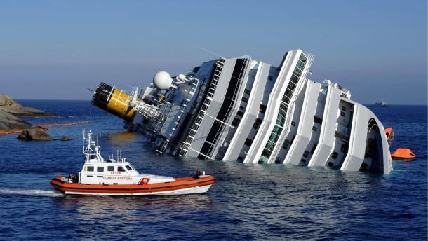 Das Wrack wackelt, Kapitän und Reederei streiten