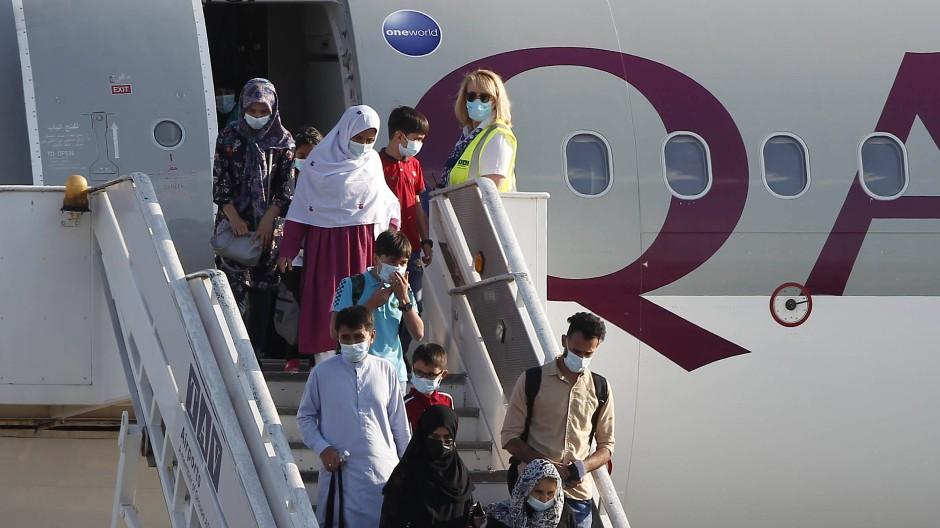 Zuletzt wurden wieder schutzbedürftige Menschen über Katar aus Afghanistan ausgeflogen.