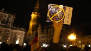 """Mohammed-Karikaturen bei """"Legida""""-Demo doch erlaubt"""