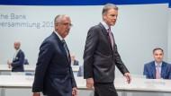 Der Vorstandsvorsitzende Christian Sewing der Deutschen Bank und Aufsichtsratschef Paul Achleitner auf der Hauptversammlung am 24. Mai 2018