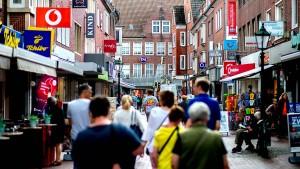 Bundesbürger trotz Konjunkturflaute in Kauflaune