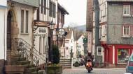 Blick auf die Altstadt: Das Städtchen Steinau an der Straße ringt mit seinem Bürgermeister.