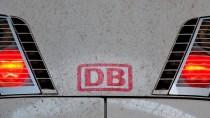 Der ICE der Deutschen Bahn musste nach dem Unfall abgescheppt werden