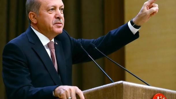 """Erdogan will als nächstes die Wirtschaft """"säubern"""""""
