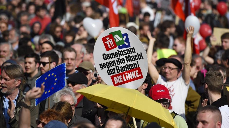 """Das Blockupy-Bündnis sei """"moralisch am Ende"""" und die Linkspartei habe sich disqualifiziert, meint der CDU-Stadtverordnete Christoph Schmitt."""