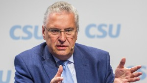 CSU schießt sich auf Merkel ein
