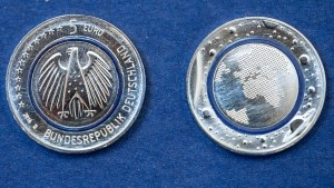 Neue Fünf-Euro-Münze fordert Fälscher heraus