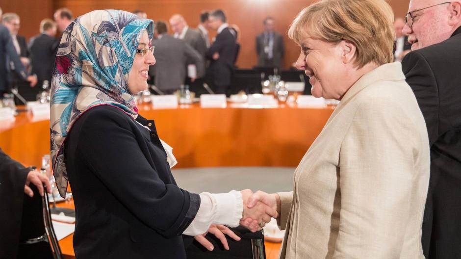 Bundeskanzlerin Angela Merkel trifft im September 2015 Nurhan Soykan vom Koordinierungsrat der Muslime.