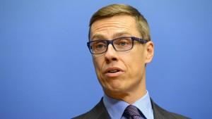 Früherer finnischer Ministerpräsident tritt gegen Weber an