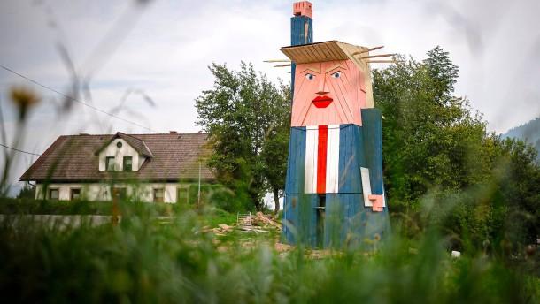 Diese Trump-Statue spaltet ein ganzes Dorf