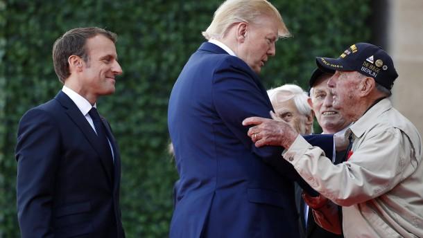 Macron mit verbaler Pfeilspitze gegen Trump