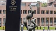 Eine eingeschränkte Mindestsicherung für Flüchtlinge ist nicht zulässig: Das urteilte der Europäische Gerichtshof in Luxemburg.