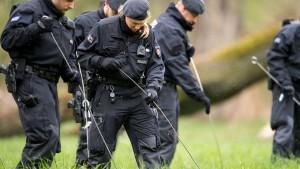 Polizei findet mutmaßliche Tatwaffe