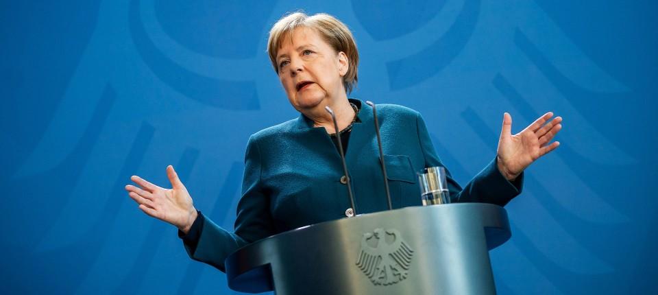 In einem Podcast hat sich Bundeskanzlerin Angela Merkel bei den Bürgern bedankt – und zur Geduld aufgerufen. (Archivbild)