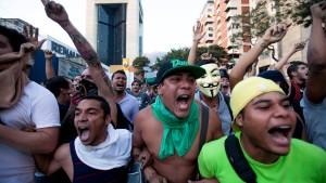 Tausende demonstrieren in Caracas