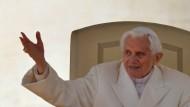 Spendete den Gläubigen auf dem Petersplatz seinen Segen: Papst Benedikt XVI.