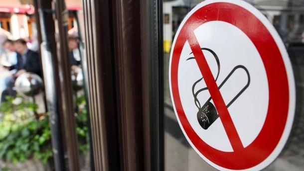 Rotterdam will in einigen Straßen das Rauchen verbieten