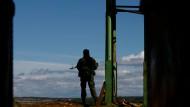 """Russischer Soldat auf der Krim: Moskau will solchen """"Schutz"""" ausweiten."""